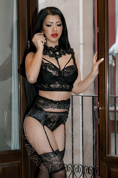 Laura Dolce  ANTIBES 0033780801205